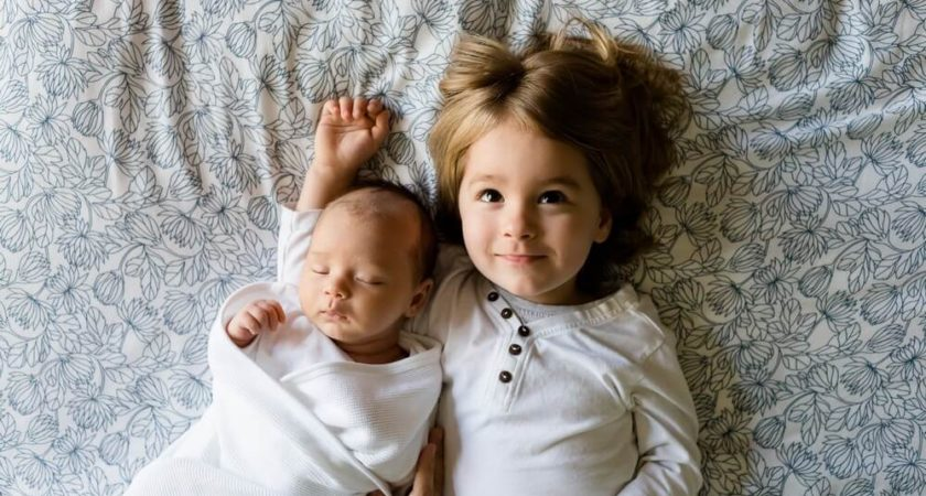 Jak można sprawdzić, czy dziecko rozwija się prawidłowo? Pierwsze trzy miesiące
