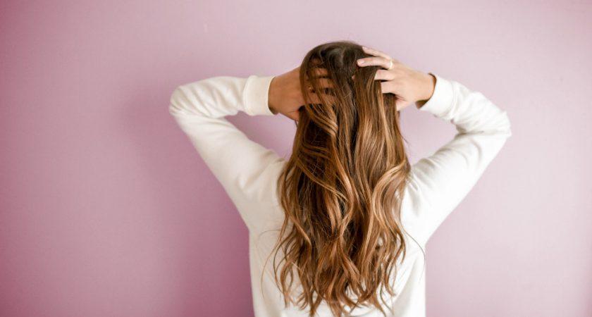 Pielęgnacja włosów – dlaczego jest tak ważna?