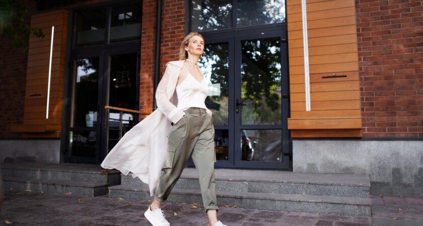 Modne buty sportowe damskie na ten sezon – oto bestsellery lata 2021